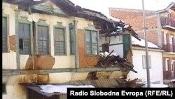 Руинирана стара куќа во Дебар.