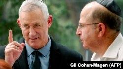 """Лидерите на """"Синьо и бяло"""" Бени Ганц и Моше Ялон ще могат първи да направят опит за съставяне на правителство с подкрепата на арабските партии в Израел"""
