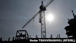 Тбилисская мэрия планирует выделить 38 млн лари из городского бюджета на благоустройство спортивной инфраструктуры и подготовку к Олимпиаде. По размеру суммы можно судить, что объем работ остается большой