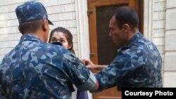 Гульнара Каримова в 2015 году была приговорена к пяти годам лишения свободы. По словам ее сына, до этого она находилась под домашним арестом.