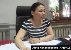 Қызылорда облысы жастар саясаты мәселелері жөніндегі басқарма бастығының орынбасары Гүлмира Нұрбаева. Қызылорда, 24 маусым 2014 жыл.