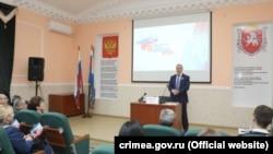 Володимир Константинов з кримськими студентами, 17 березня 2020 року