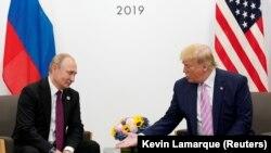 Американскиот претседател Доналд Трамп и рускиот претседател Владимир Путин