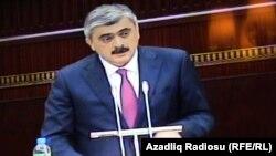 Samir Şərifov.