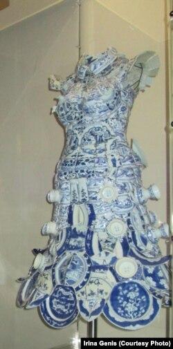Платье Александра Маккуина