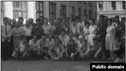 Делегация крымских татар у Приемной ЦК, 1987 год