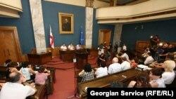 Представители нацменьшинств Грузии приняли участие во встрече с государственной конституционной комиссией