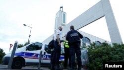 France -- Police secure a mosque in Creteil near Paris, June 29, 2017