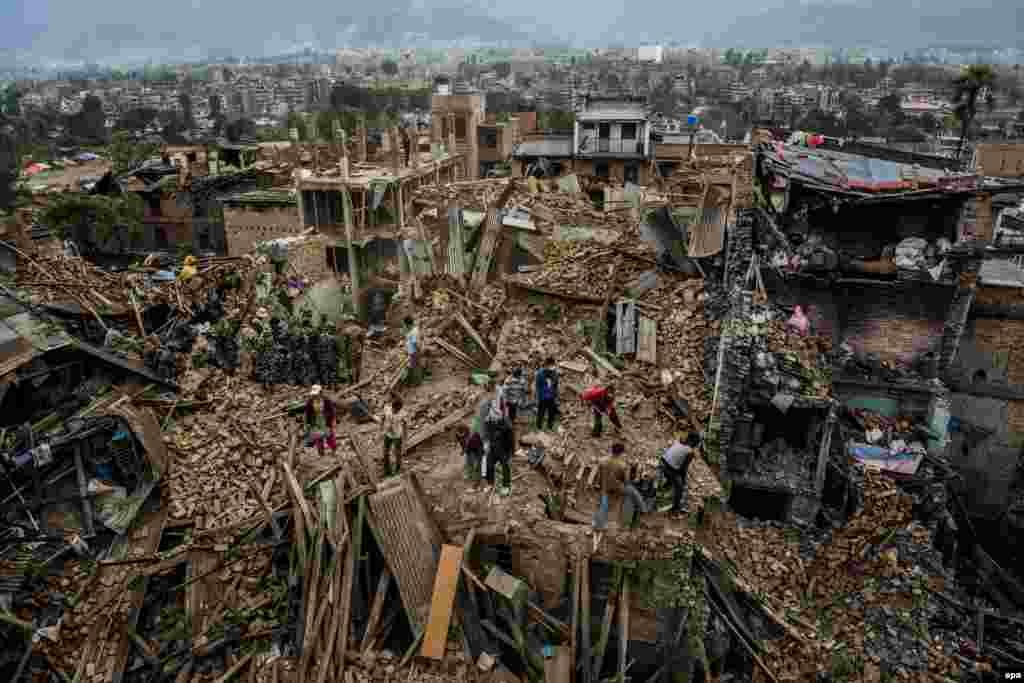 """Австралиец Даниэл Берегулак занял третье место в категории """"Новости"""". Непал, Бектапур после землетрясения. 29 апреля 2015 года."""