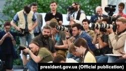 Журналисты в Киеве на пресс-конфереции Порошенко, 3 июня 2016 года.