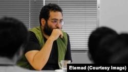 کیومرث مرزبان، طنزنویس