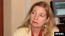 АКШнын Кыргызстандагы элчиси Татиана Гфэллэр