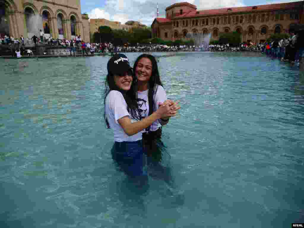 Shortly after the election of Armenia's new prime minister, some locals splashed into Yerevan's famous fountain.