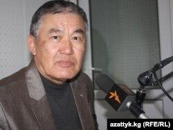 Кыргыз эл акыны Анатай Өмүрканов.