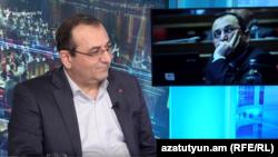 Член Верховного органа АРФД Арцвик Минасян в студии Азатутюн ТВ, Ереван, 3 февраля 2020 г.