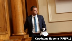 Делян Добрев беше министър на енергетиката