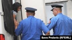 Hapšenje Danijele Krković, foto: Savo Prelević
