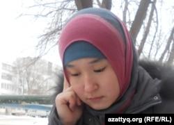 Cақтаған Бәйішев атындағы университеттің студенті Перизат Молдашева. Ақтөбе, 12 желтоқсан 2011 жыл.