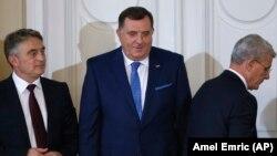 Članovi Predsjedništva BiH: Željko Komšić, Milorad Dodik i Šefik Dažefrović