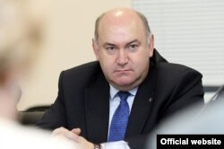Владимир Зубов