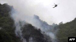 سقوط هواپیما در دل جنگل کار امدادرسانی را با مشکل مواجه کرده است