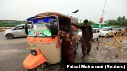 A rickshaw in Pakistan (file photo)