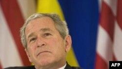 جرج بوش می گوید که در قبال اعمال ایران در عراق، از نیروهای آمریکایی و شهروندان عراقی حمایت می کند(عکس:AFP)