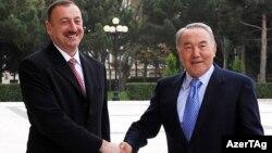 Ильхам Алиев (слева) и Нурсултан Назарбаев