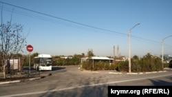 На этом участке структуры Павла Лебедева должны были разбить сквер и построить общественную автостоянку
