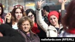 Түркия - Аялдар күнүнөн бир көрүнүш, 8-март, 2013-жыл