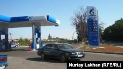 """На АЗС """"Газпромнефти"""" в Алматы."""