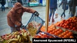 Зимний ритм симферопольского «Привоза» (фотогалерея)