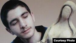 سعید جزی، نوجوان محکوم به مرگ با رضایت خانواده مقتول از اعدام نجات یافت.(عکس: سایت؛ اعدام نوجوانان را متوقف کنید.)