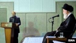 علی لاریجانی (چپ) در بیت رهبری