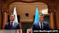 Ministrul rus al energiei Aleksander Novak și omologul ucrainean Oleksiy Orzhel la conferința de presă de la Berlin, 19 decembrie 2019.
