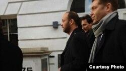 Максим Бакиев Лондондо сотко баратат. 7-декабрь, 2012-жыл.