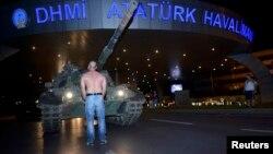 Турция: попытка военного переворота (фотогалерея)