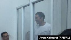 Предприниматель 47-летний Искандер Еримбетов, обвиняемый по делу «о мошенничестве», в суде. Алматы, 14 июня 2018 года.