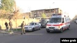 Раненных в Нагорном Карабахе доставляют в госпиталь в Ереване. 2 апреля 2016 года.