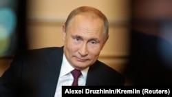"Владимир Путин дает интервью телеканалу ""Мир"". 13 июня 2019 года"