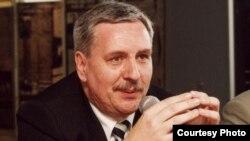 В Україні ще не пізно провести люстрацію, зазначає директор варшавського відділення Інституту національної пам'яті Польщі