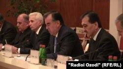 В Таджикистане отправлен в отставку весь состав правительства.