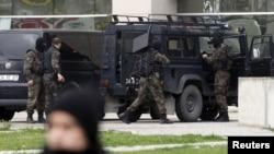 Турецкий спецназ во время операции по освобождению прокурора, 31 марта 2015 г.