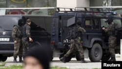 Түркия полиция жасағы операция кезінде. (Көрнекі сурет).