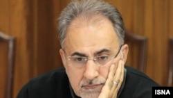 محمد علی نجفی، مشاور اقتصادی حسن روحانی، ابراز امیدواری کرد که حسن روحانی برای ادامه برنامههای دولت خود، نامزد انتخابات شود.