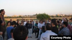 أهوازيون يتجمعون إحتجاجاً ضد تحويل نهر كارون