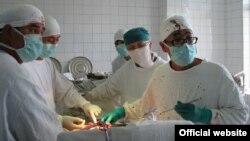 Бөйрөк алмаштыруу операциясы. Бишкек. 2012-жылдын 16-июль.