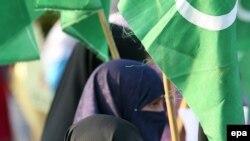 در هفته اخیر چندین تظاهرات علیه بریتانیا در پاکستان برپا شده است.