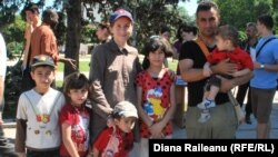 O familie de refugiați sirieni