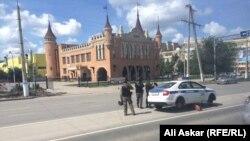 Полицейские в городе Актобе 8 июня 2016 года.